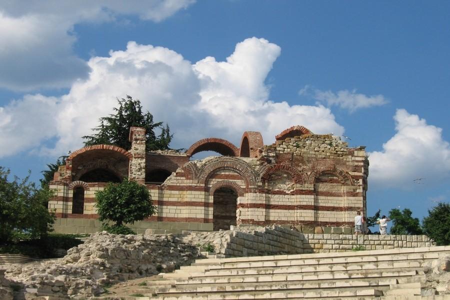 Църкви в Несебър